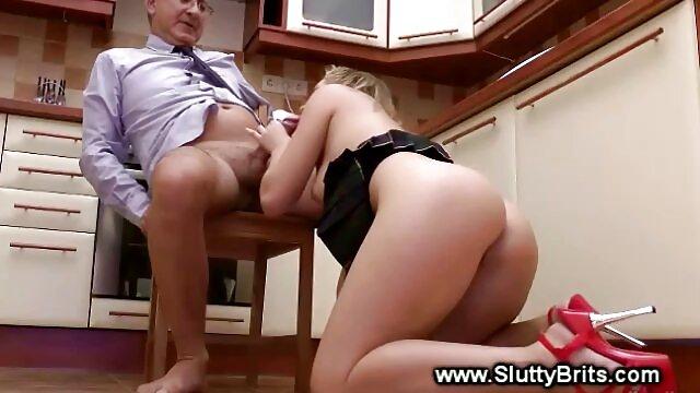 Schlendra قزاقستانی سالاد کلم بروکلی را در سکس چت ضربدری پر کردن واژن خودارضایی می کند