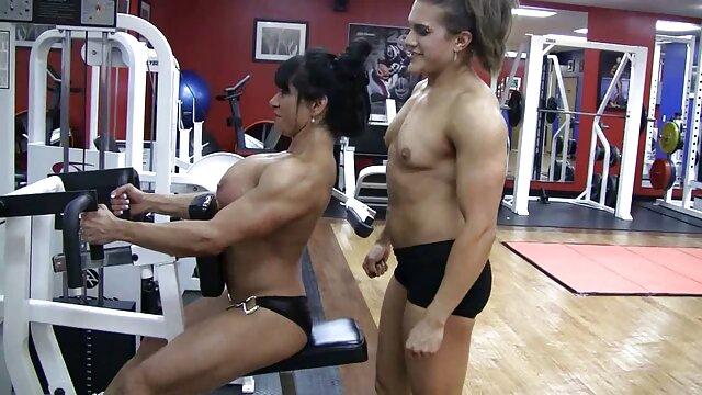 عضلانی زنان انجمن