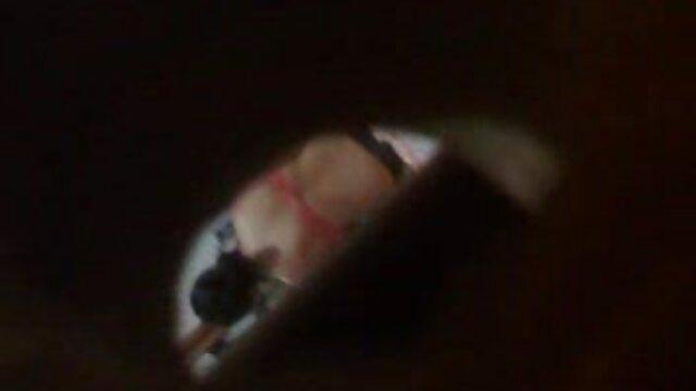با استفاده از مارگارین غذا و سکس ضربدری فیلم یک ماده منعقد کننده دارویی ، دستم را روی آرنج در قسمت پشتی خود قرار داده ام