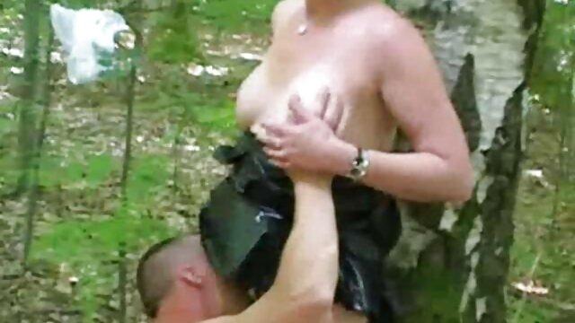 خروس چربی به سختی در دهان دخترک جا می گیرد ، اما واقعاً سخت ویدیو سکس ضربدری تلاش می کند و دوز خوبی از اسپرم را در تمام صورت خود دریافت می کند